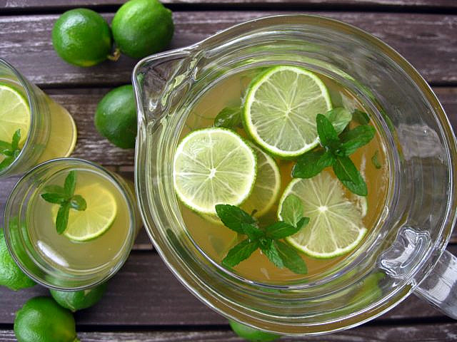 Mint and lime iced green tea | One Ordinary Day