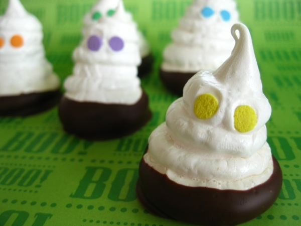 Spooky meringue ghosts… revisited | One Ordinary Day