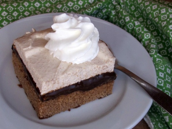 root beer float cake root float snack cake one ordinary day 7110