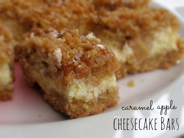 Caramel apple cheesecake bars with streusel topping | One Ordinary Day